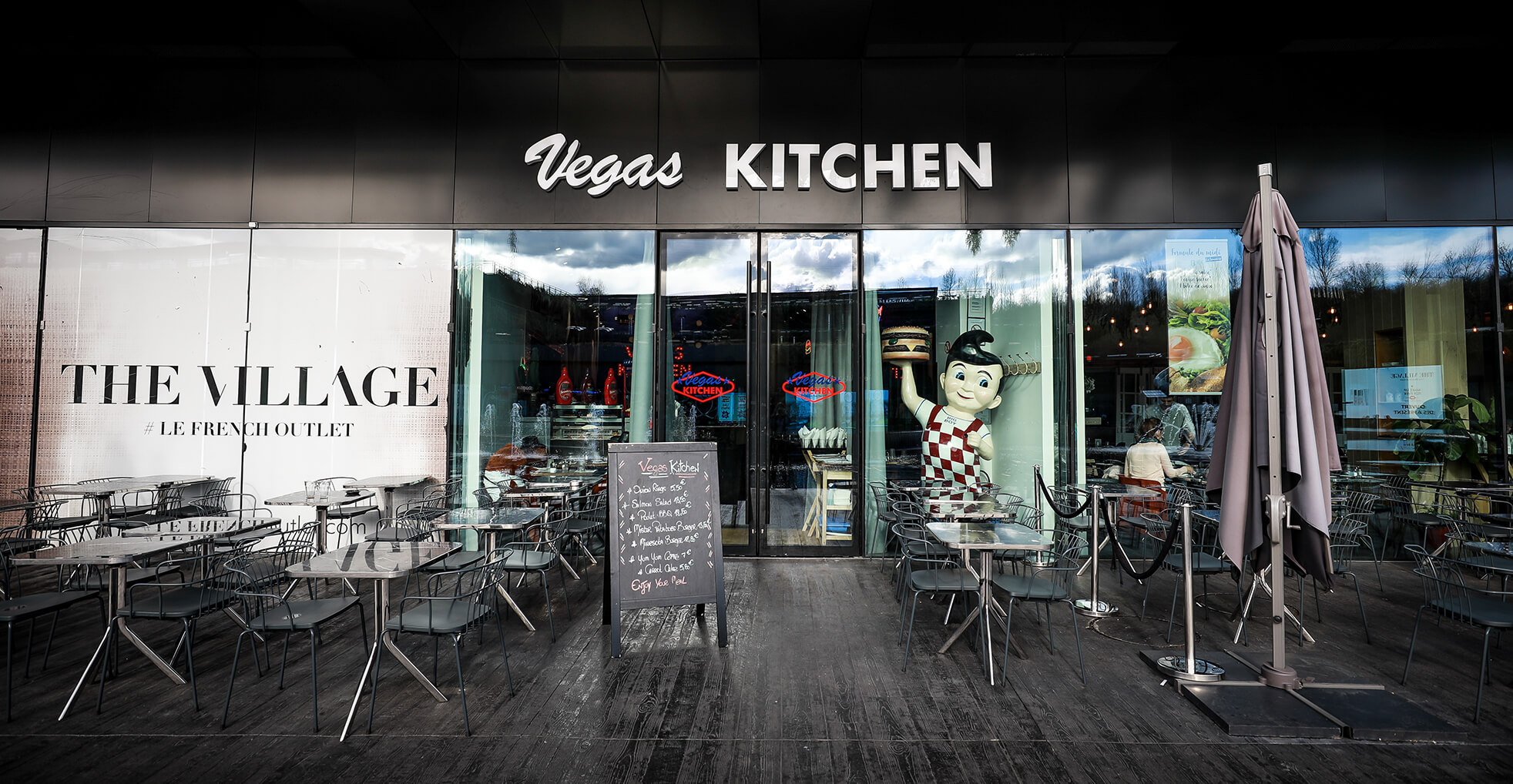 vegas-kitchen-the-village-outlet-1