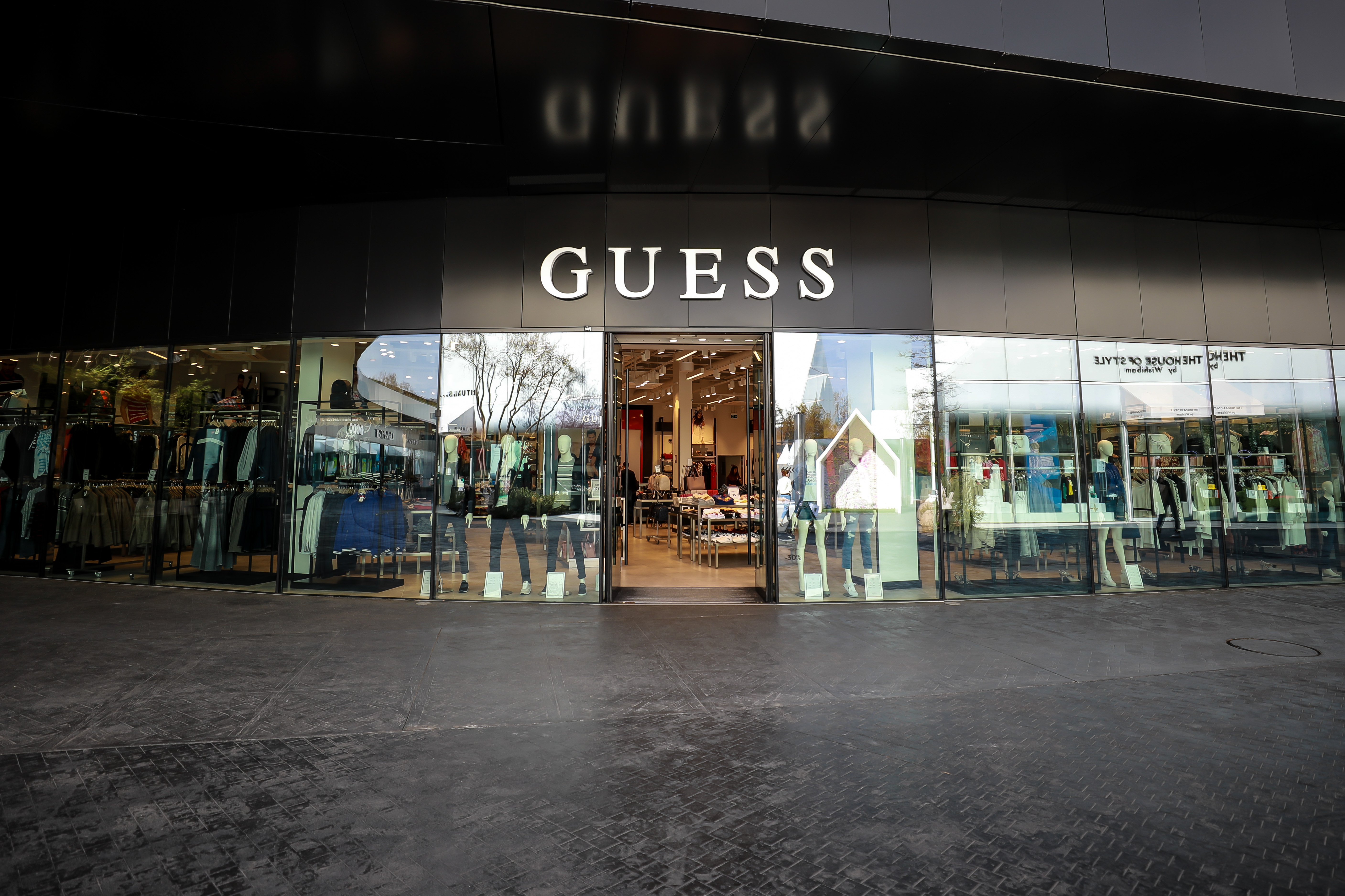 Guess-outlet