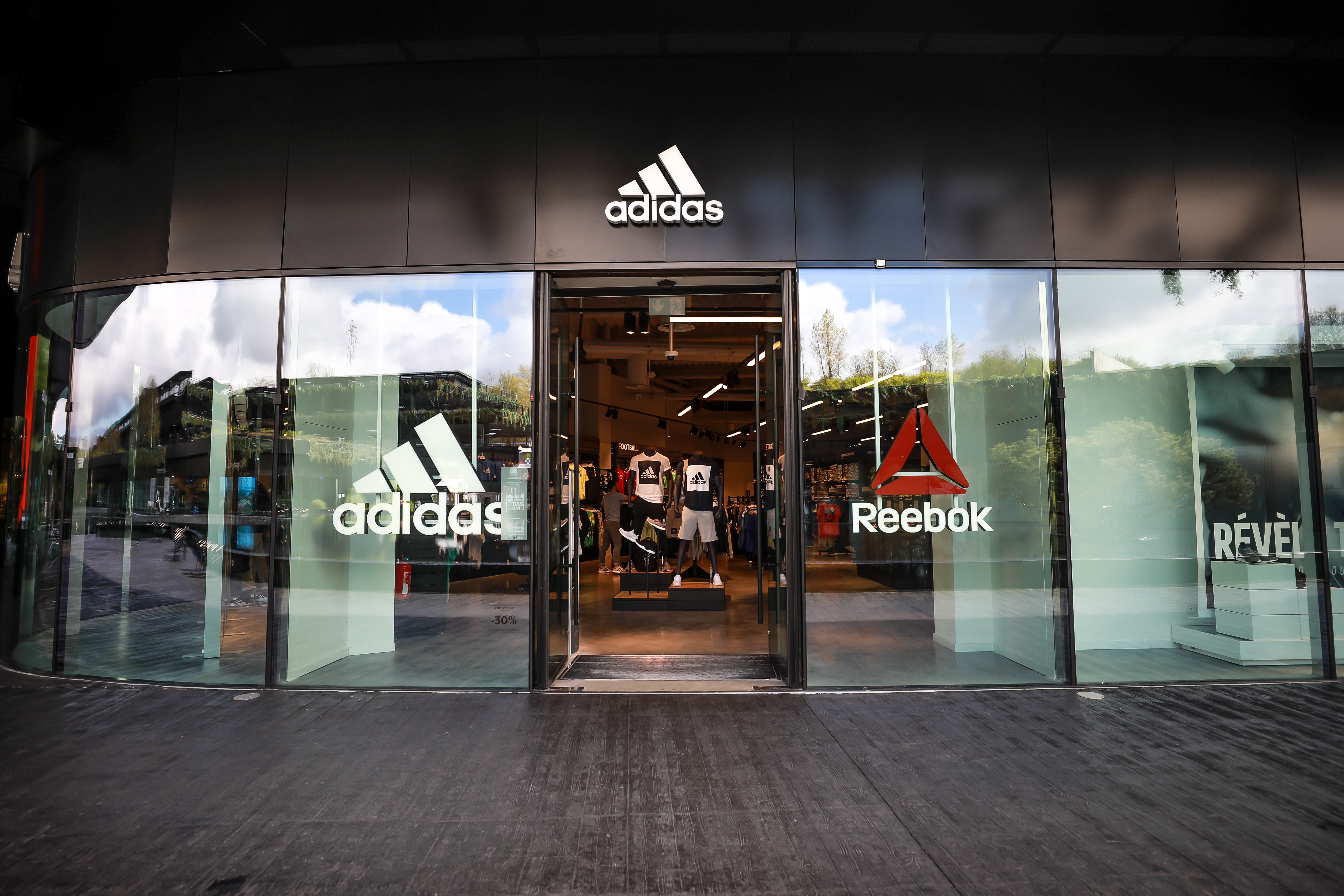 Adidas-outlet
